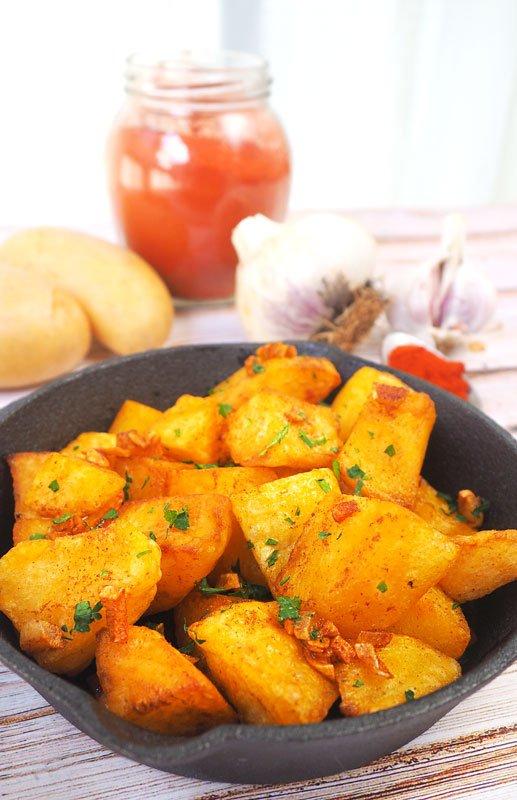 como se hace guarnicion de patatas con ajo