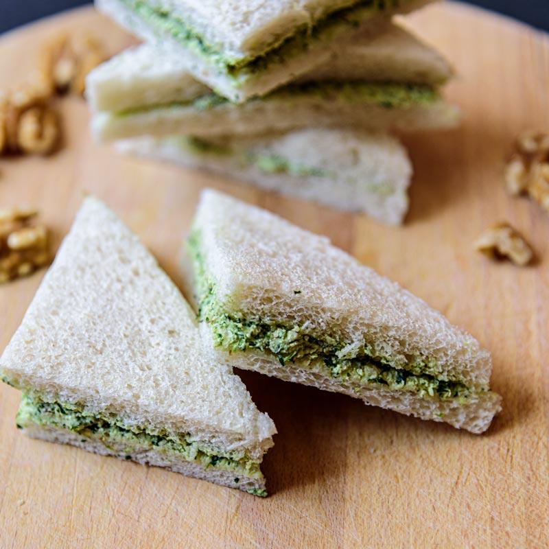como se hace el sandwich de canonigos queso y nueces