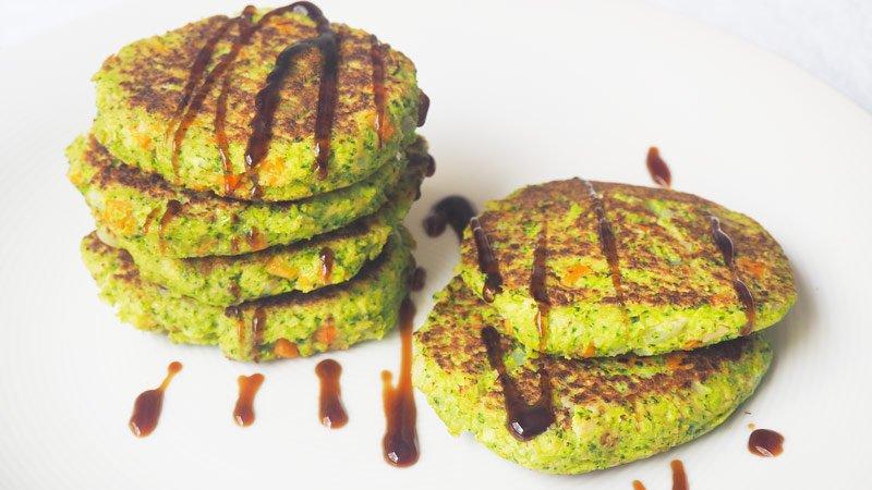 receta tortitas de brocoli y zanahoria cenas para peques
