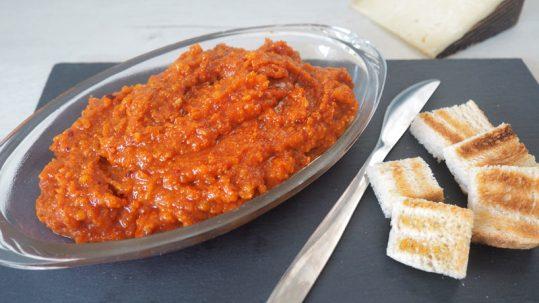como se hace el almogrote o pate de queso canario de la gomera
