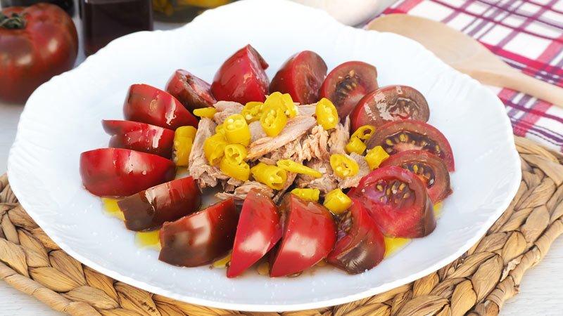 receta ensalada de tomate melva y guindillas picantes