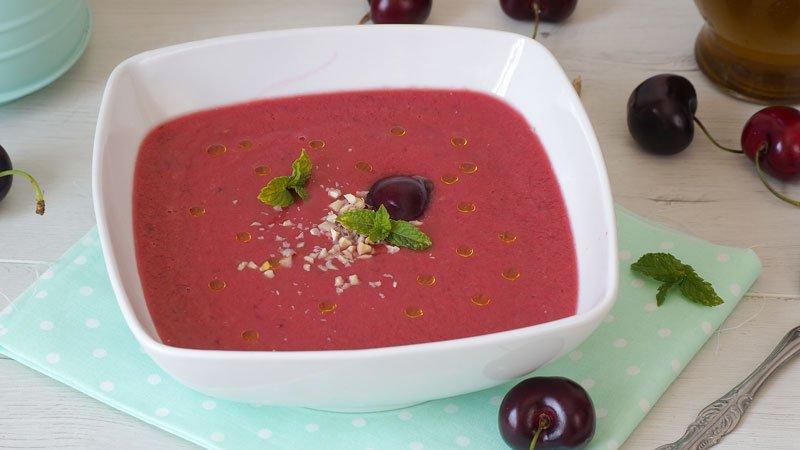 gazpacho de cerezas receta facil de verano