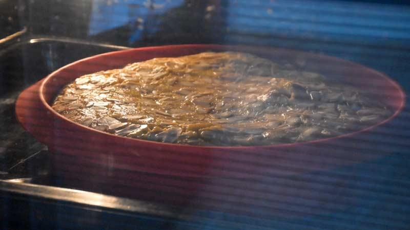 hornear la tarta fácil de ciruelas claudias