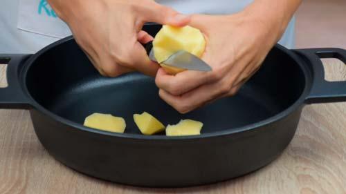 como pelar las patatas para el bacalao a la gallega