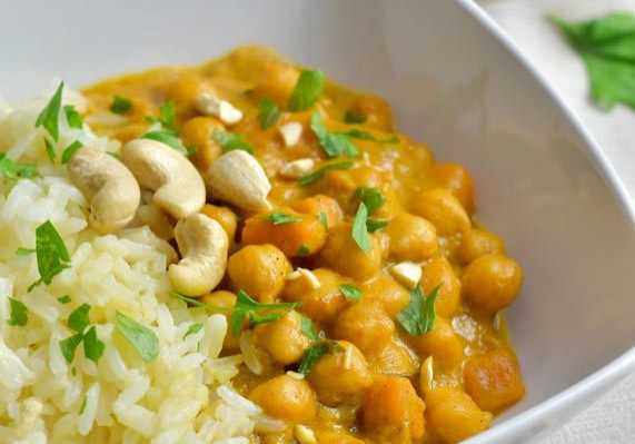 curry de garbanzos con berenjena y batata